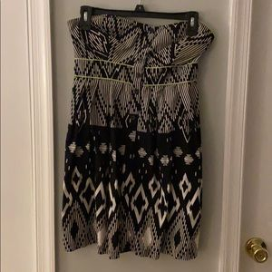 Printed strapless mini dress with pockets!